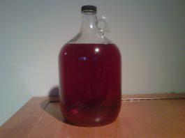 vynas iš raudonųjų serbentų