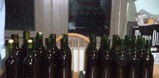 vyno pilstymas į butelius