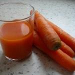 Kaip išsispausti morkų sulčių namie be brangių sulčiaspaudžių?