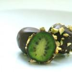 Paprasti aktinidijų saldainiai su pistacijomis